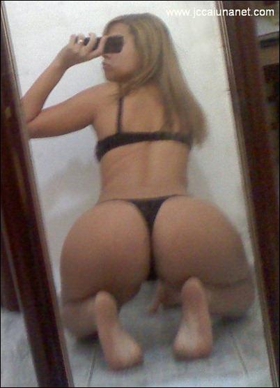 Голые девки фоткают сами себя через зеркало