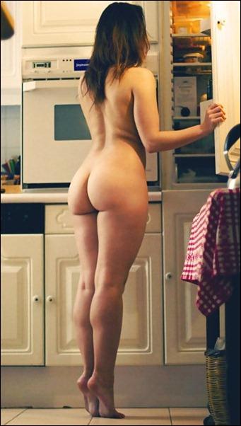 Фотографии голых женских задниц