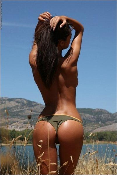 Пляжные фотографии голых девушек