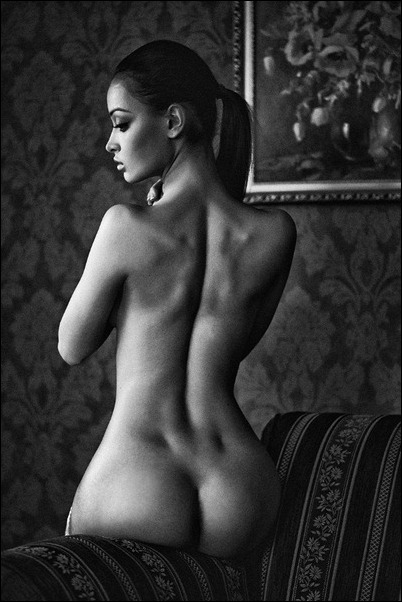 Черно-белые фотки голых девушек