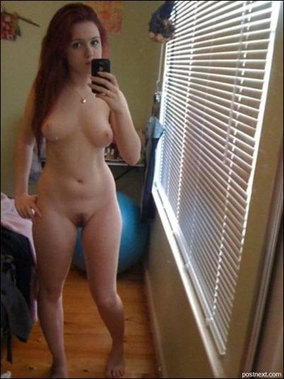 Девушки фоткают свои голые тела