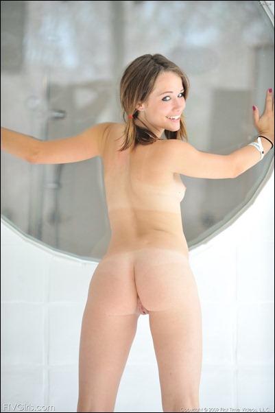 Потрясная голая девчонка