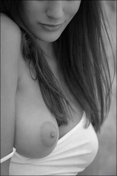 Черно-белые фотографии голых тётенек