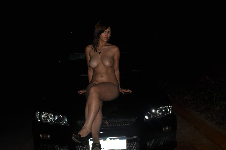 Фото голой девушки ночью 2 фотография