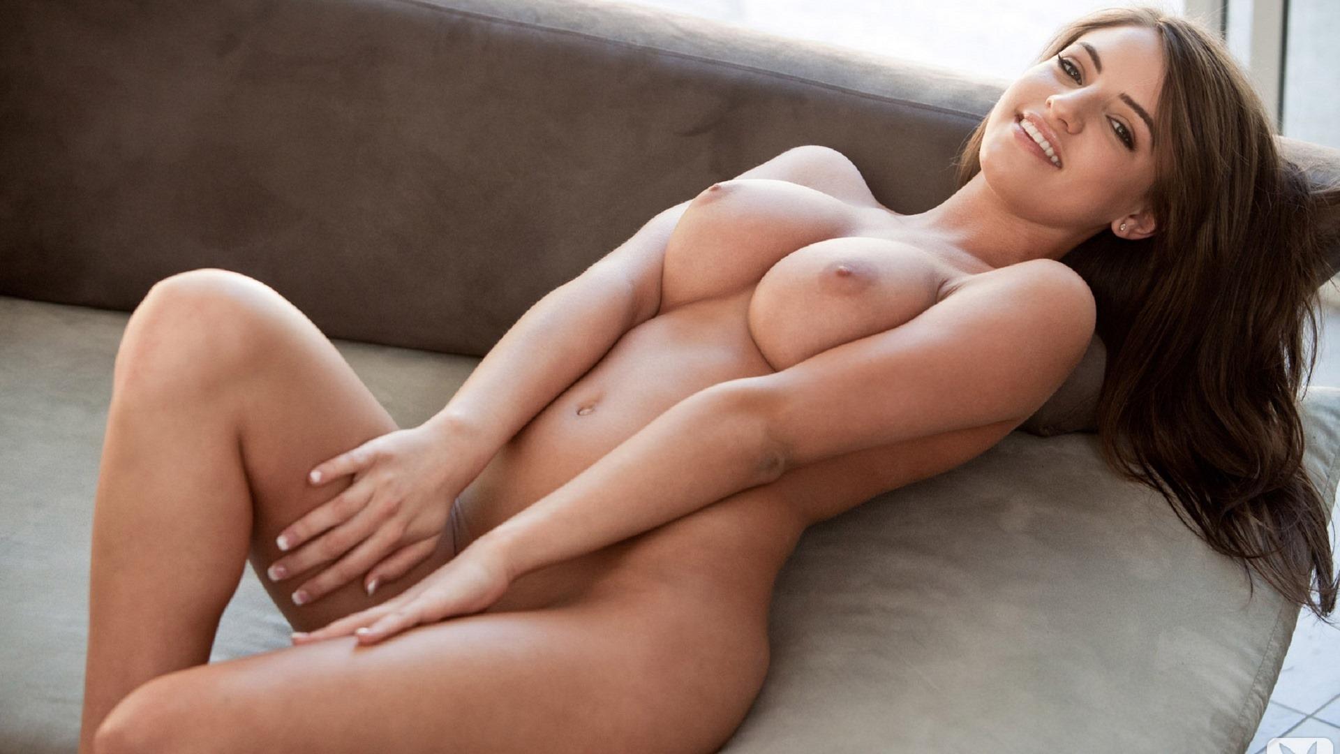 Смотреть как выглядят очень красивые девушки голые очень большая грудь десятый размер груди 23 фотография