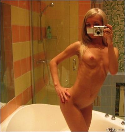 Девчонки голые фотают сами себя