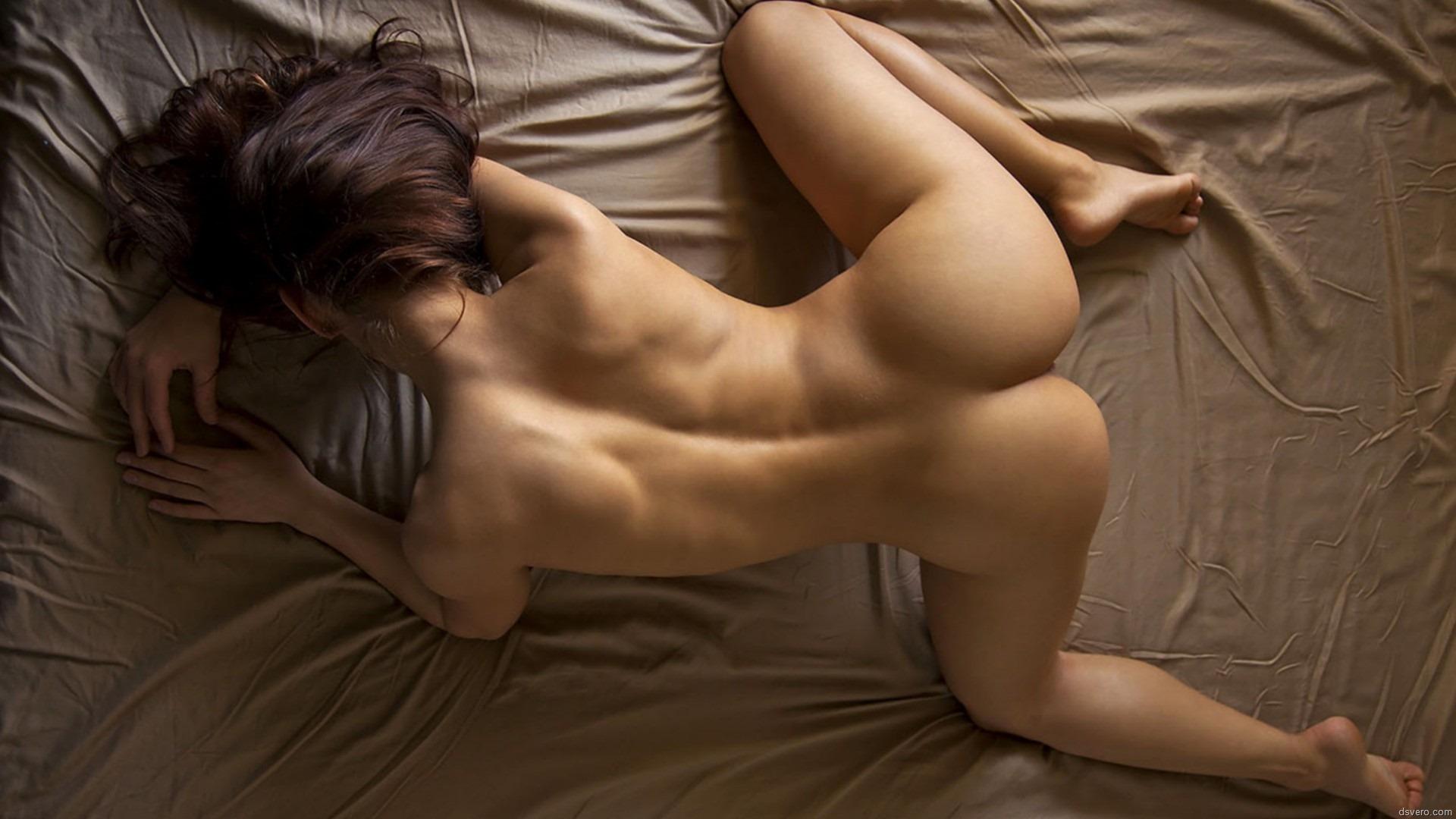 Стройная девушка оргазм 21 фотография