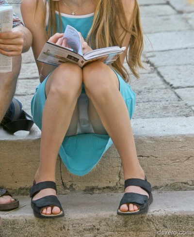 Под юбками у девчонок (Фотки частные)