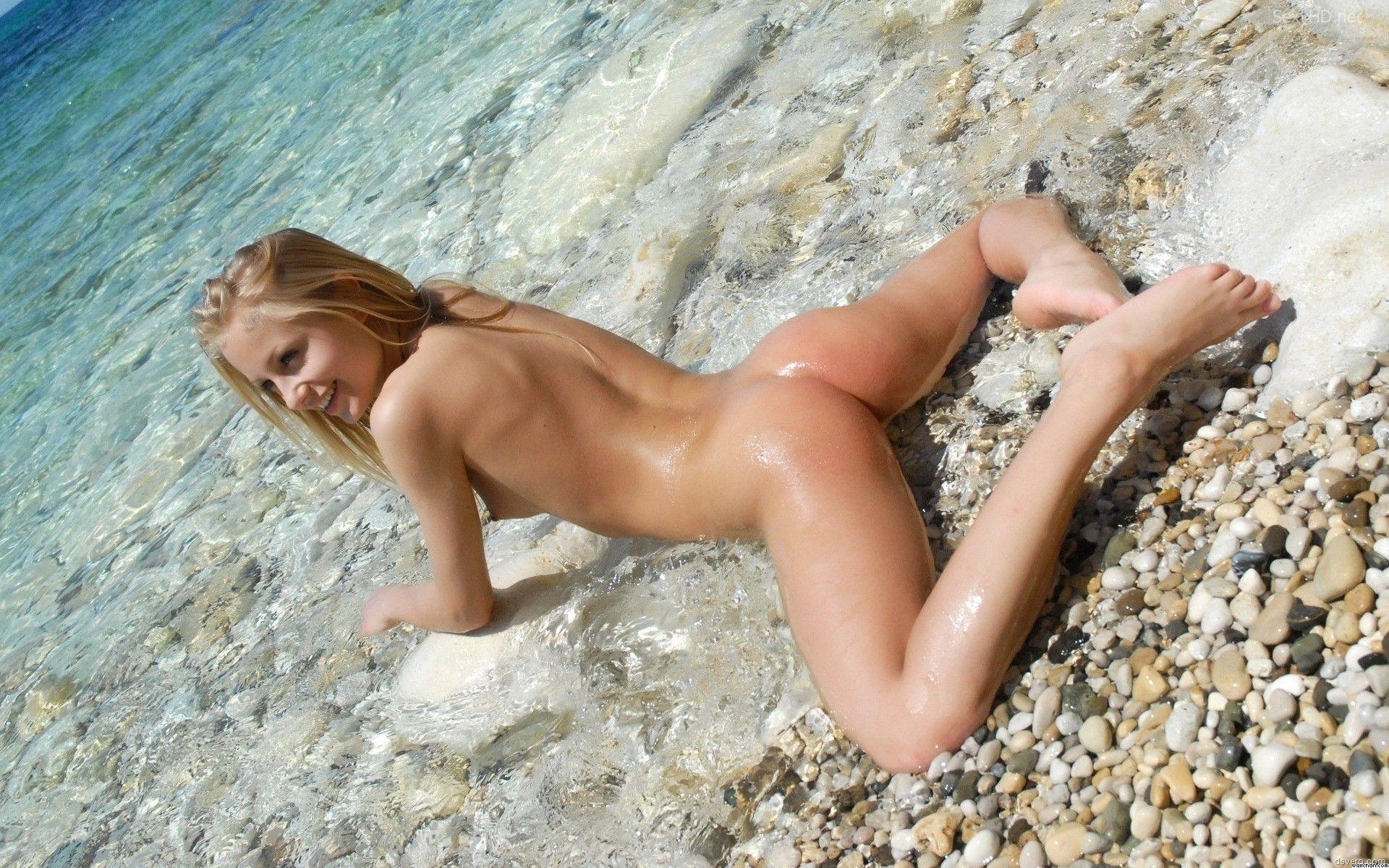 Фото Обнаженных Юных Девушек На Пляже