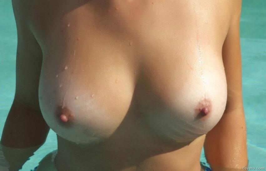 Средняя голая грудь фото