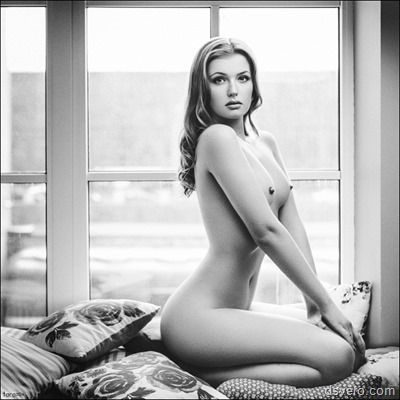 Черное и белое: эротические снимки