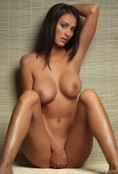 Голые девушки модельной внешности