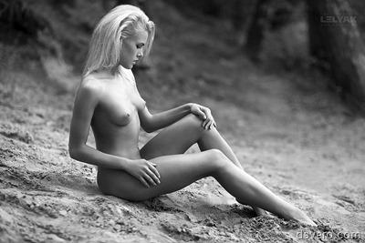 Черно-белая эротика: НЮ без цвета