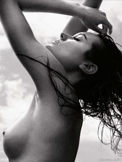 Красивая черно-белая эротика