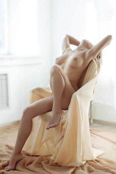 Безупречная фотография голой девушки
