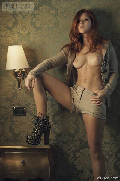 Селфи Хуелфи, Девушки голые