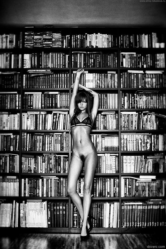 Черно белые эротические фото ню 5 фотография