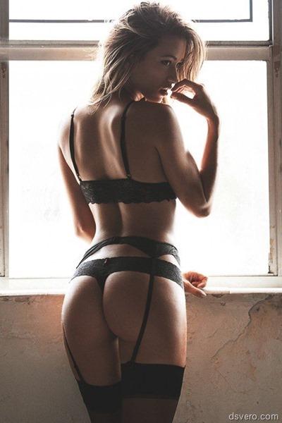Девушка в красивом нижнем белье