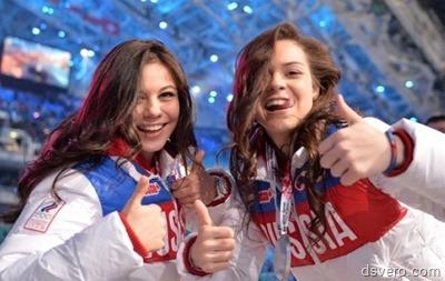 Фото пары девушек: двойной удар