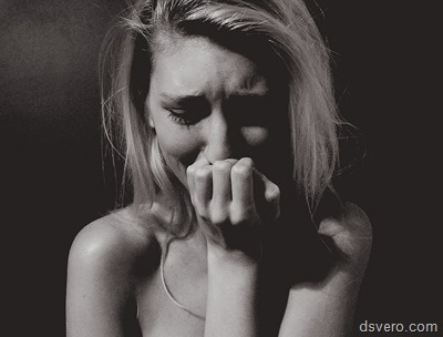 Девушки плачут, девушки расстроены