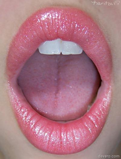 Красивые губы девушек крупным планом