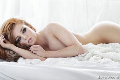 Постельная эротика: девушки в кровати