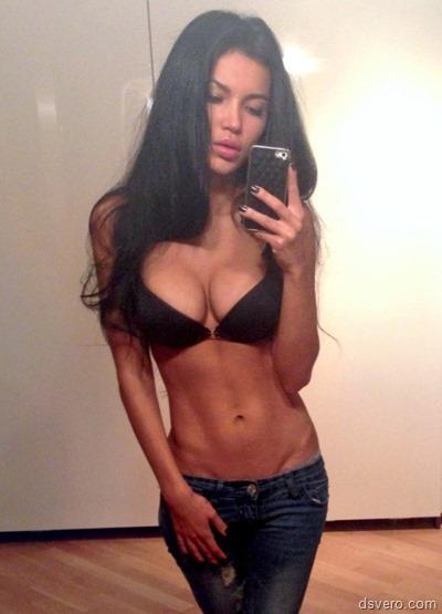 Популярная девушка Света Билялова