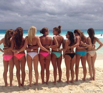 Девчонки в сборе, много и голых