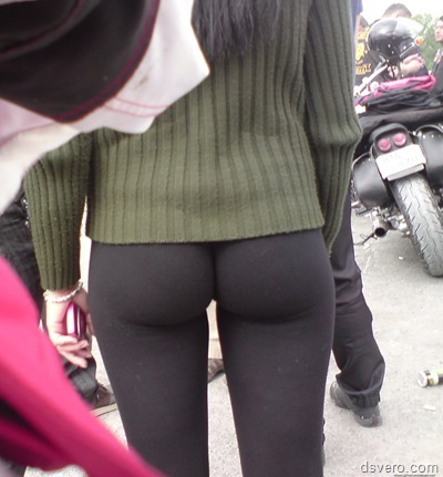 Девушки в обтягивающих штанах