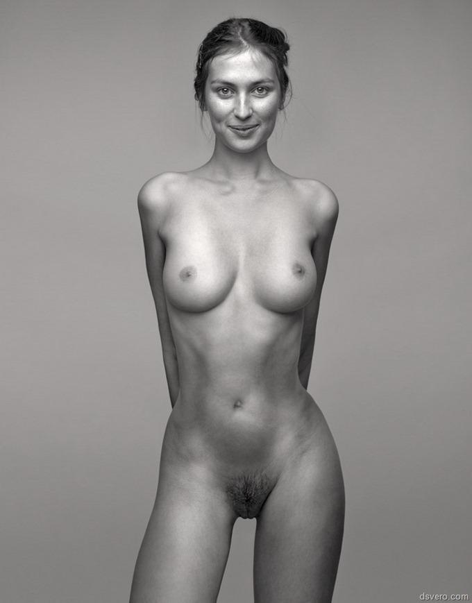 черно белое фото голых баб