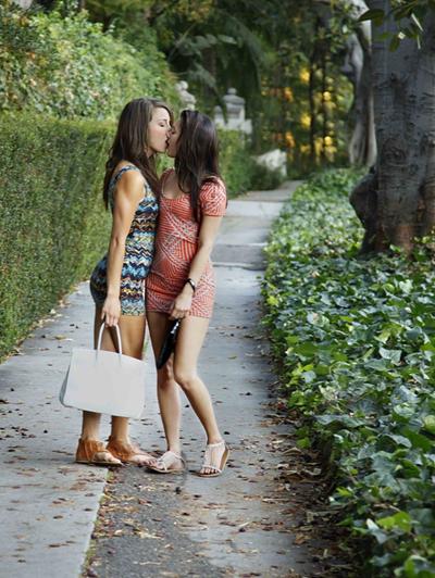 Фоточки девушек - лесбияночек