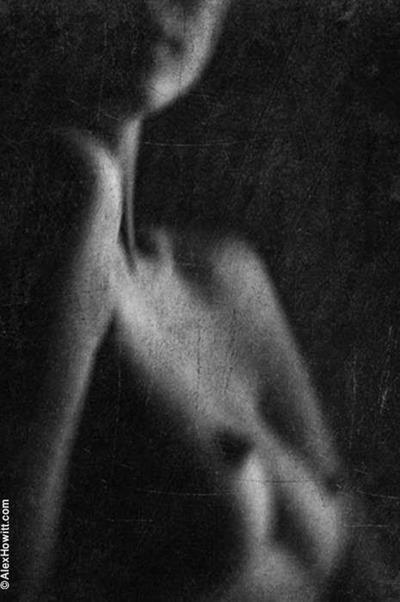 Смазанная эротика от Alex Howitt