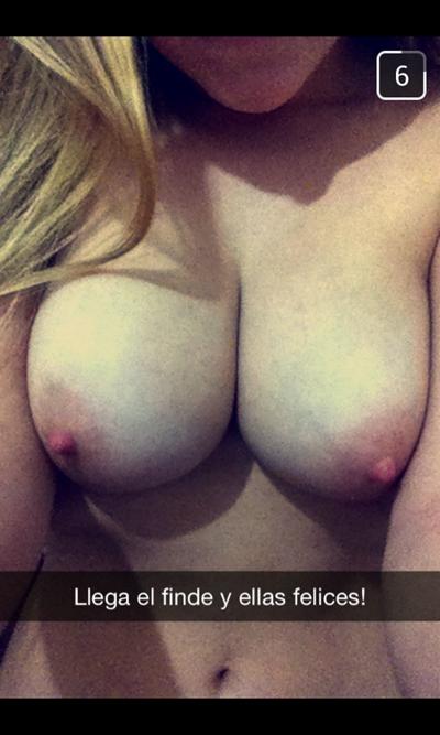Фотки голых сисек молодых девушек