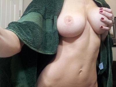 Девушки с голыми сиськами
