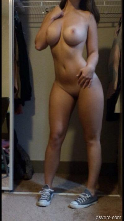 Домашние фотки голых девчонок