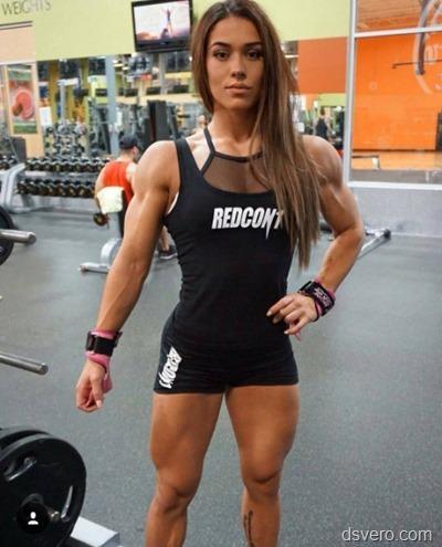 Симпатичные девушки с мышцами