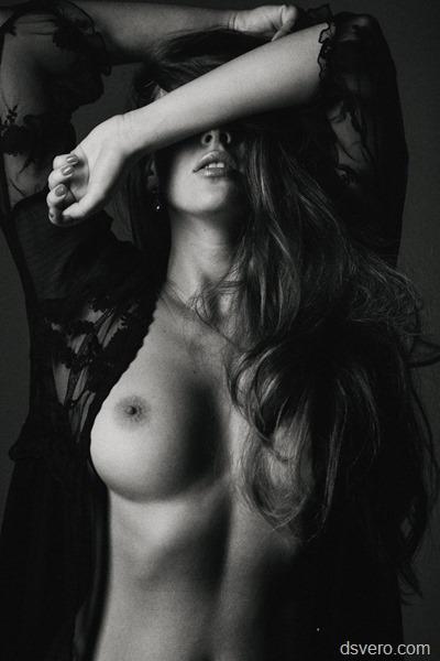 ЧБ НЮ: Черно-белые эро фотографии