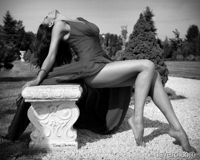 Черно белая эротика женщины