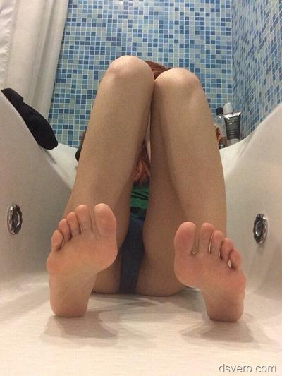 Сексуальные девушки в ванной