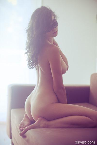 Много разных голых девушек