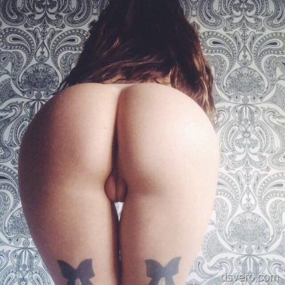 Женские прелести, голые попы