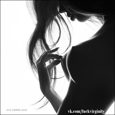 Черным по белому. Эротика без цвета.