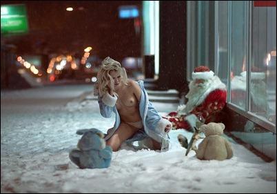 Новогодние голые девушки