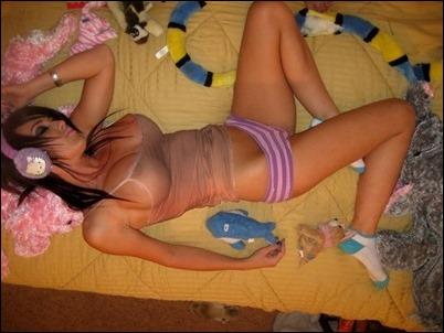 Спящие голые девушки