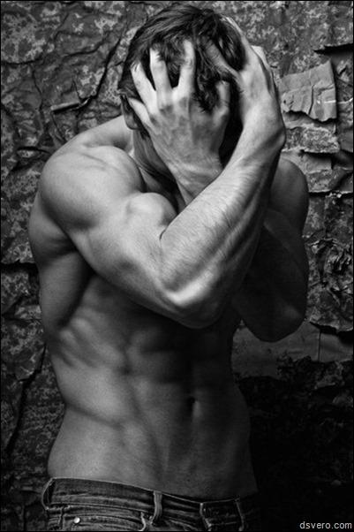 Фотоподборка мускулистых парней