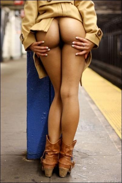 Поп подборка: Голые женские задницы