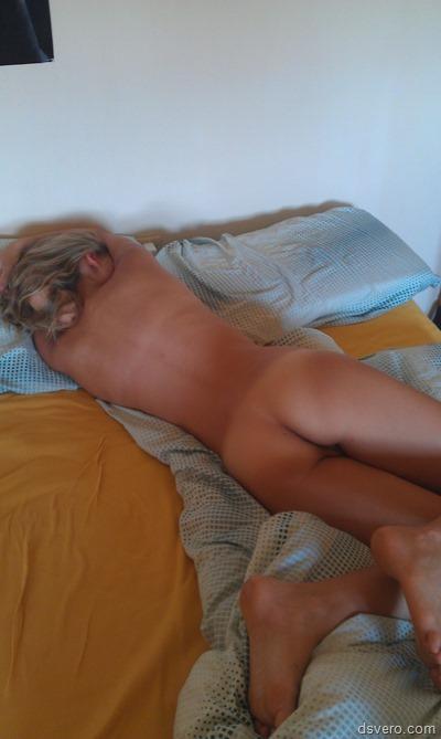 Фотографии спящих голых девушек