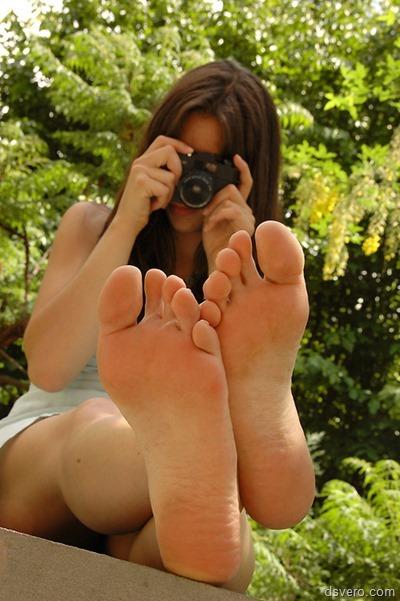 Девушки и их стопы (фотоподборка)