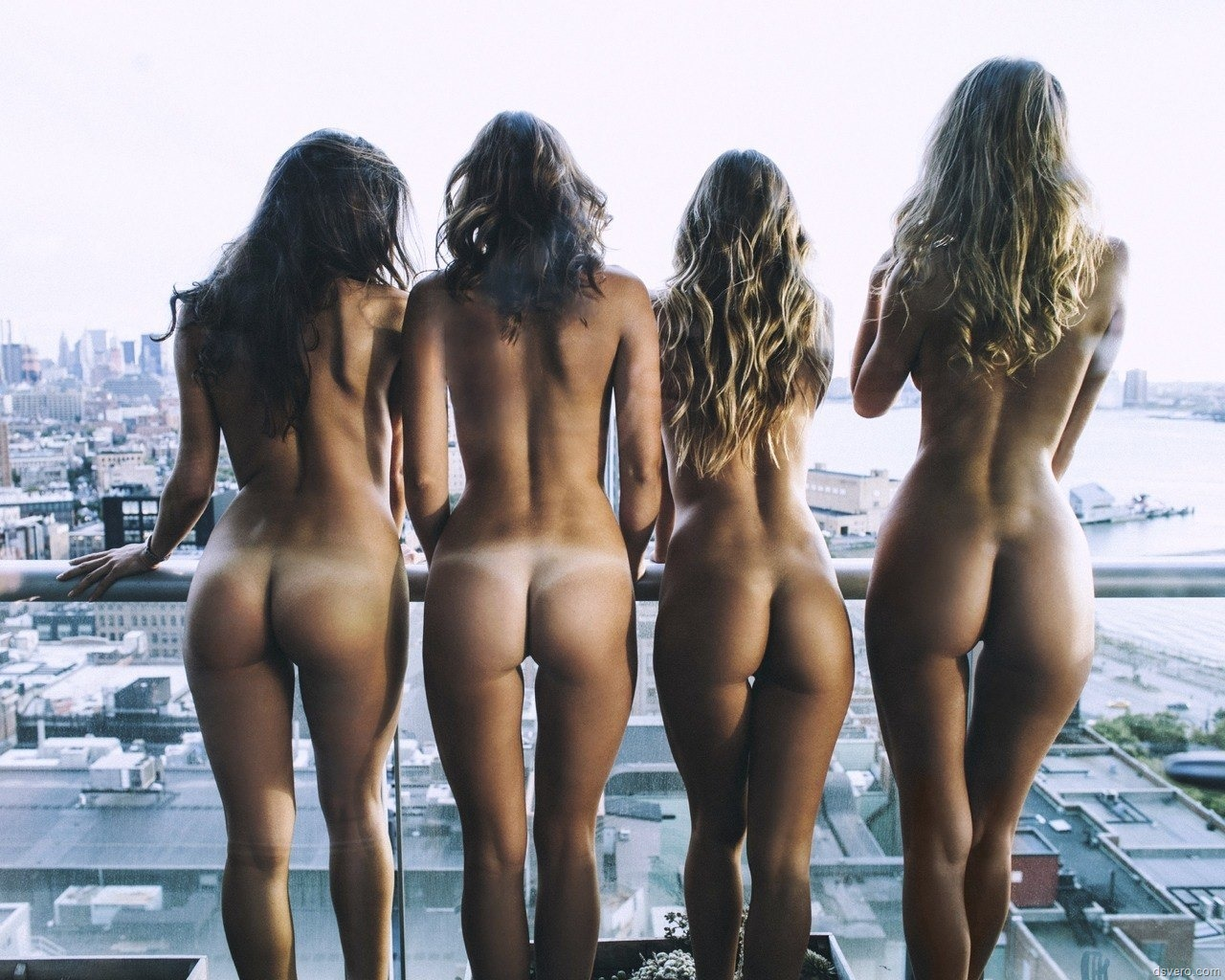 Mixed Naked Girls Booty
