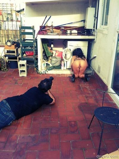 Странные фотки с голыми девушками